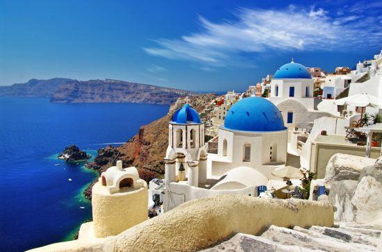 Почивка Остров Санторини - Майски празници, самолетна екскурзия от София. Дати: 30.04, 03.05 и 06.05. Включен в цената PCR тест за записвания до 31.12!