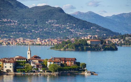 Почивка Милано и езерата на Северна Италия - Майски празници, 5-8 май, със самолет.