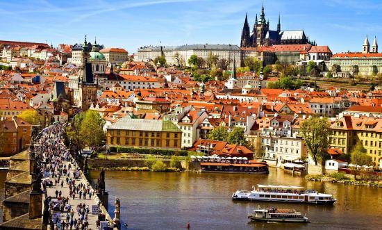 Почивка Септемврийски празници в Прага, 21-25 септември, самолетна програма.