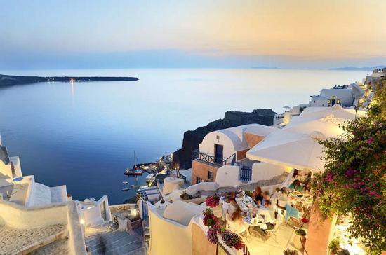 Почивка Остров Санторини през септември - 3 нощувки, самолетна екскурзия от София. Дати: 06, 13 и 20.09