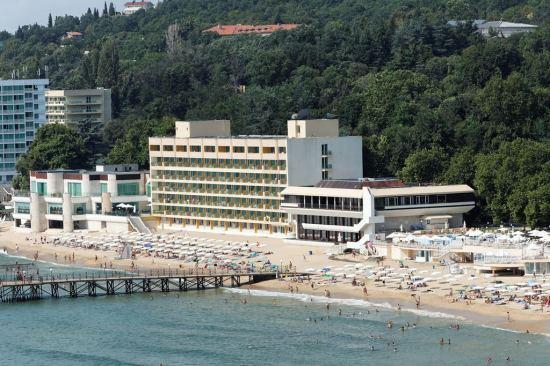 Почивка Хотели в Слънчев ден