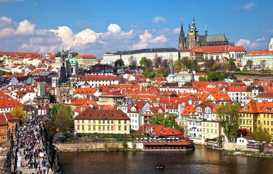 Почивка Карлови Вари - Чешки замъци - Златна Прага, 22-26 май, самолетна екскурзия от София